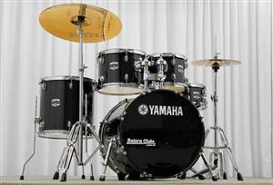 "Bateria Yamaha GigMaker Rock Set Black Glitter Sparkle 22"",12"",13"",16"""