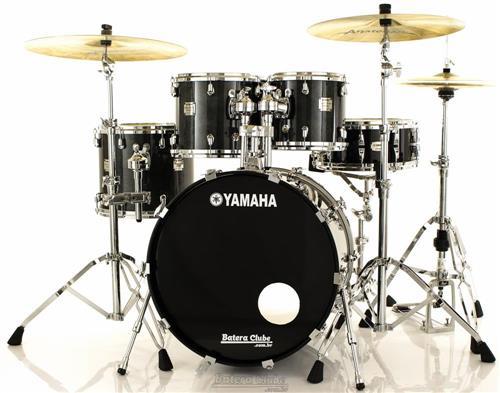 "Bateria Yamaha Maple Custom Absolute Black Sparkle 22"",10"",12"",14"" Made in Japan (Seminovo)"