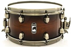 "Caixa Mapex Black Panther Blaster Maple e Walnut 13x7"" Brushed Steel Sound Arc Hoop"