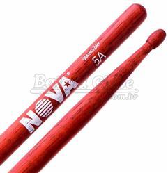 """Baqueta Vic Firth Nova Series Hickory Red """"Padrão 5A"""" Vermelha com Ponta de Madeira (7367)"""