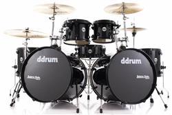 """Bateria DDrum Journeyman Double Down Double Bass Pure Black 22"""",10"""",12"""",14"""",16"""" com Ferragens"""