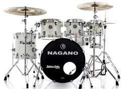 "Bateria Nagano Concert Celluloid Birch Brooklin White 20"",8"",10"",12"",14"" com Kit de Ferragens"