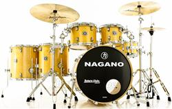 "Bateria Nagano Concert Full Lacquer Birch Natural Gold 22"",10"",12"",14"",16"" com Kit de Ferragens"