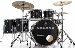 "Bateria Nagano Concert Full Lacquer Birch Piano Black 22"",10"",12"",14"",16"" com Kit de Ferragens"