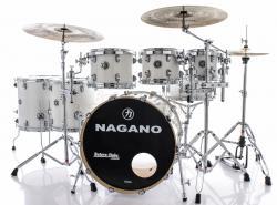 "Bateria Nagano Concert Full Lacquer Pure White 22"",8"",10"",12"",14"",16"" com Kit de Ferragens"