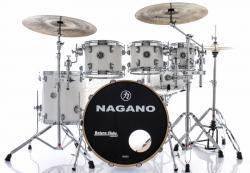 """Bateria Nagano Concert Lacquer Pure White 20"""",8"""",10"""",12"""",14"""" com Kit de Ferragens"""