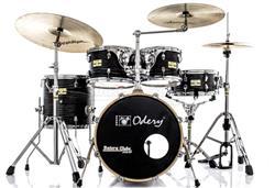 "Bateria Odery Fluence Jam Session Jazz FL.180 Black Ash Maple com Bumbo 18"" e Kit de Ferragens"