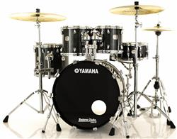 "Bateria Yamaha Maple Custom Absolute Black Sparkle 22"",10"",12"",14"" Made in Japan (Seminovo)"