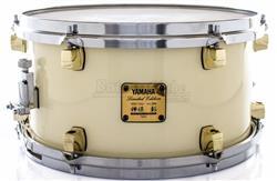 "Caixa Yamaha Signature Akira Jimbo Limited White Sparkle Beech 13x7"" Japan US$ 599 (Acervo)"